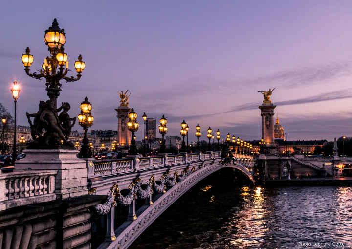 Paris bridge - Professional French translation - Halifax Translation Services