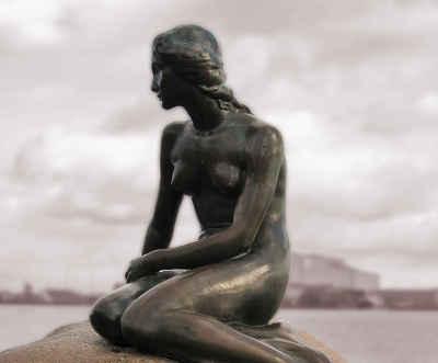The little mermaid in Copenhagen - Halifax Danish translation