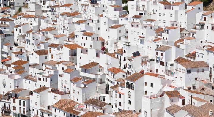 Casas blancas - Halifax Beograd - Profesionalni prevod sa španskog na srpski i na španski sa srpskog